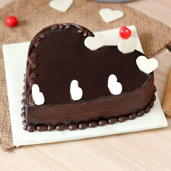 Chocolate Heart Cake with Choco Chips - Zoom View