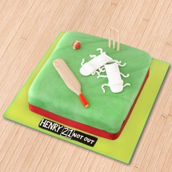 Cricket designer cake