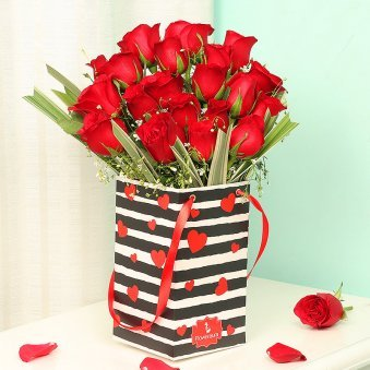 Red Roses Bunch in Black and White Love Flower Box