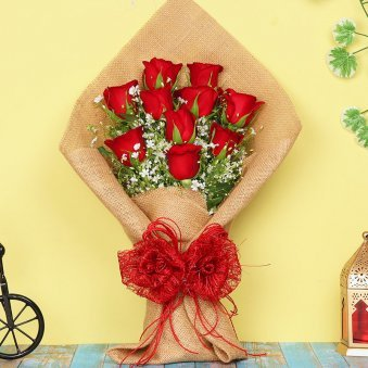 Red Roses Bunch in Jute Packing