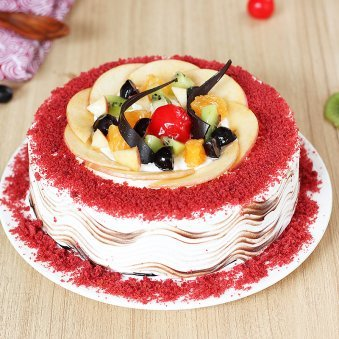Red Velvety And Fruity Delight