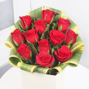 12 Red Roses in Zoomed View