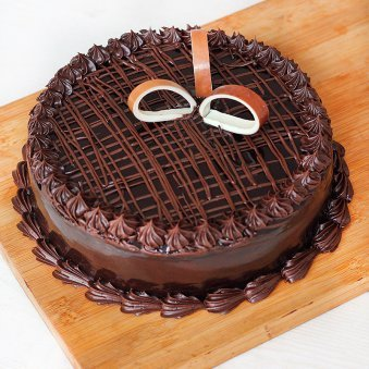 Chocolate Cake - A Gift in Royal Red Love