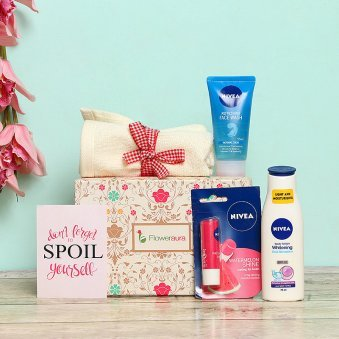 b06665939a8 Spoil Yourself - A Beauty Gift Hamper for Girls