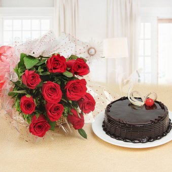 True Soulmate - A gift hamper of 10 red roses and half kg chocolate truffle cake
