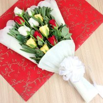 12 Mixed Color Roses Bunch